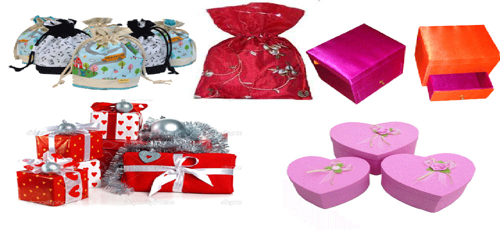 GIFTS BAGS/BOXES